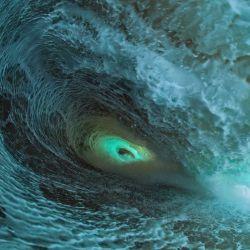 wave makes eyehole_Clark Little